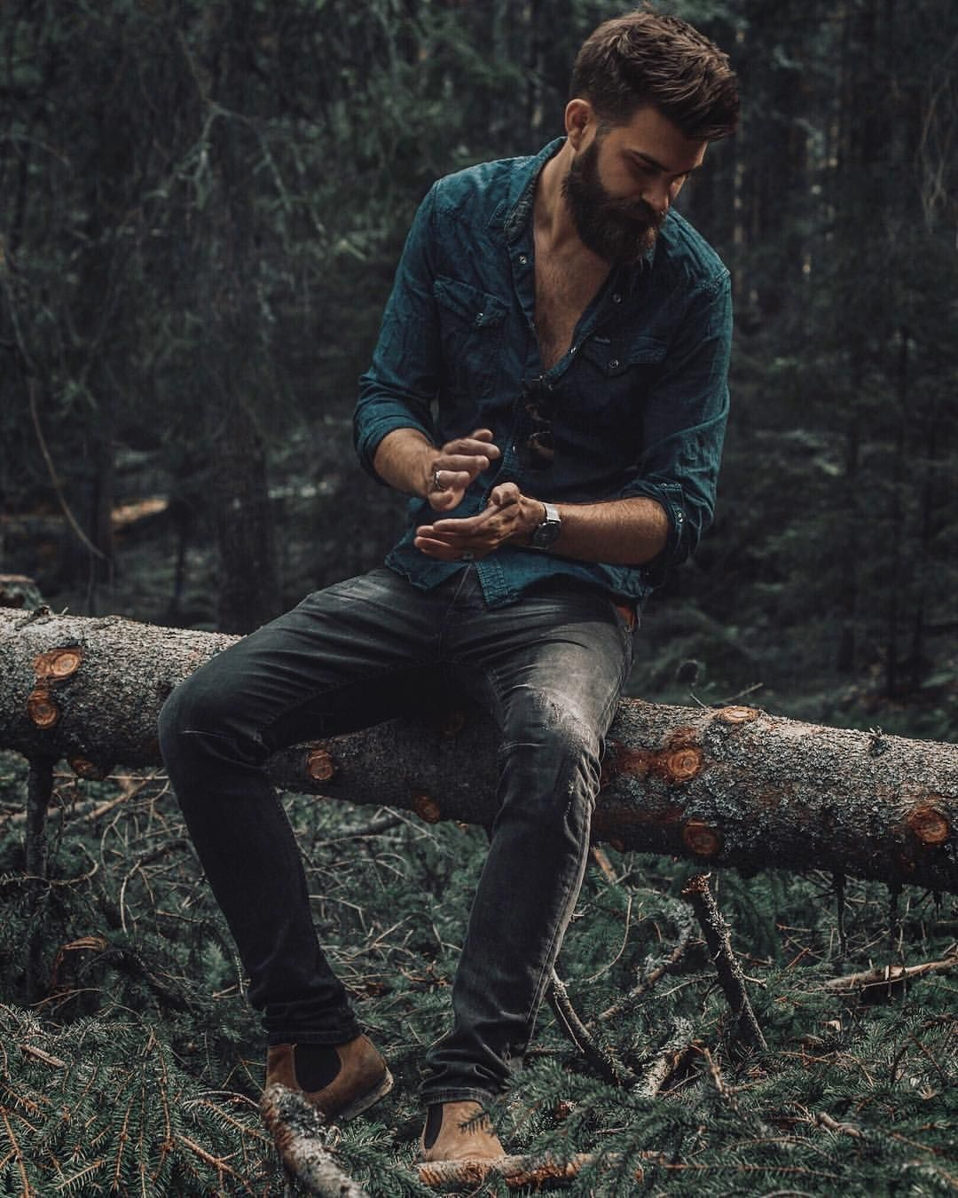 Pin By Chelle Belle On Cabin Crazy In 2020 Portrait Photography Men Mens Photoshoot Poses Outdoor Portrait Photography