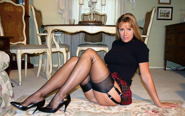 Date Other Pantyhose Lovers
