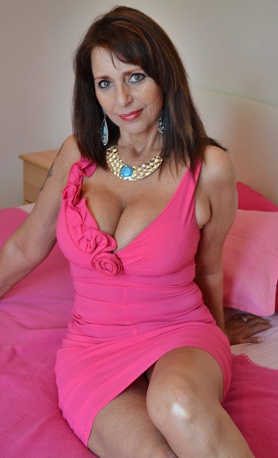 centerton milf women Have fun in your life, & find a milf to show you the funnest times of your life these older women really enjoy meeting younger men for dating, fun, and much more.