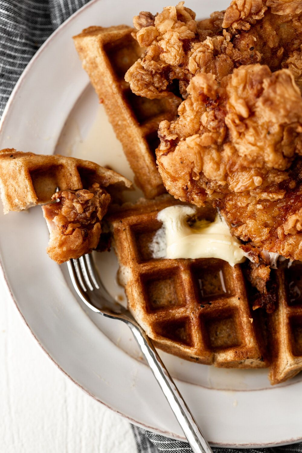 Fried Chicken And Waffles With Hot Sauce Maple Syrup Cooking With Cocktail Rings Fried Chicken And Waffles Chicken And Waffles Food