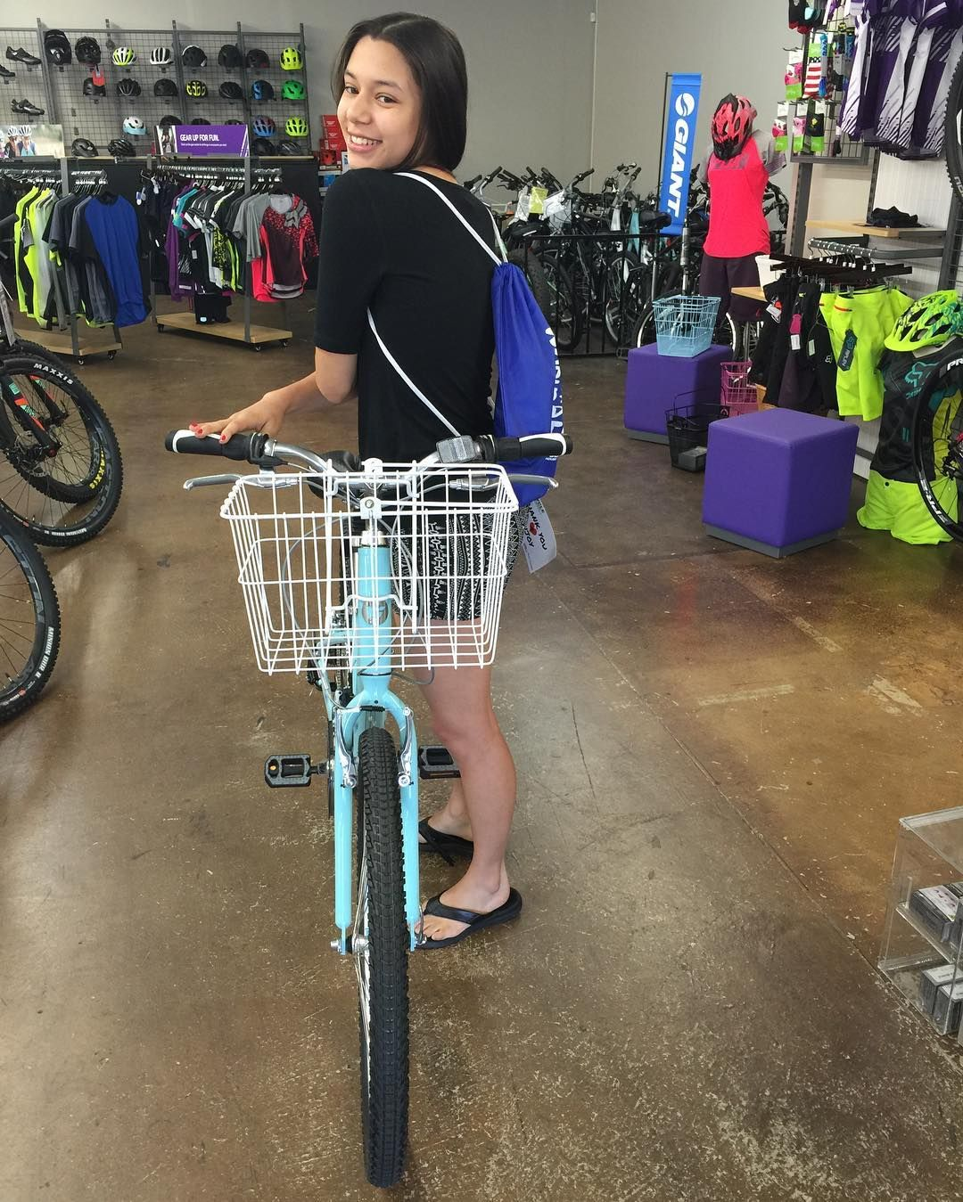 Rachael with her new Sedona and BW adventure bag #fitness #fun #bike #giantbikes