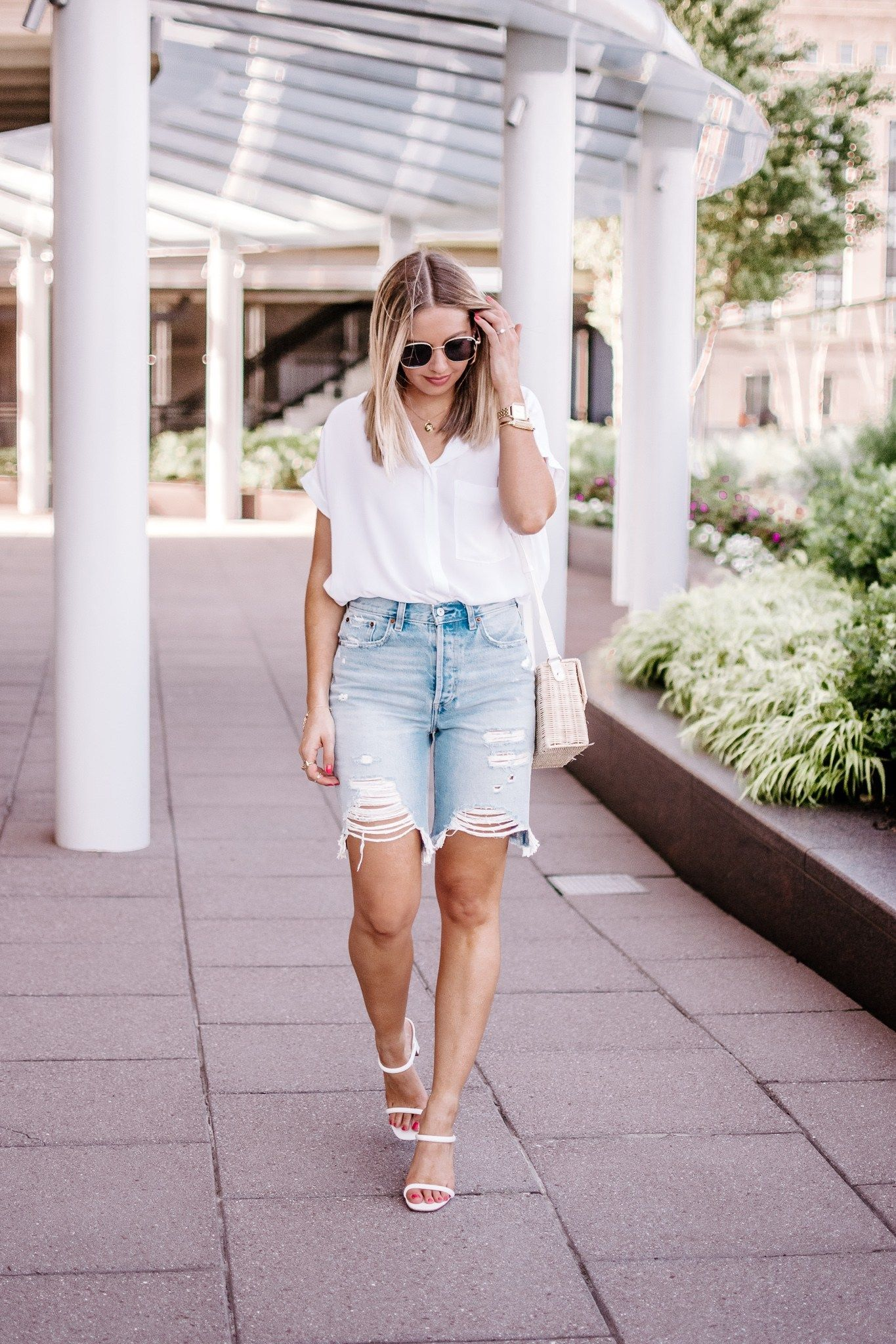 26 Ways to Wear Denim Bermuda Shorts in 26 (With images)  Dressy