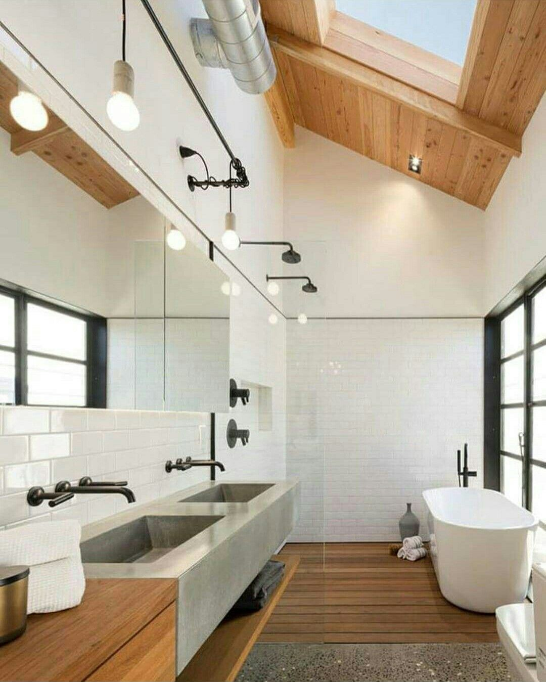 The skylight and the bath area ❤ simple elegant