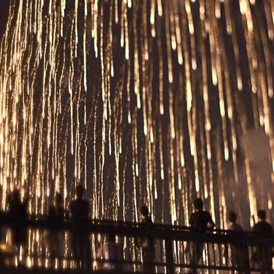 On instagram by akande.decor  #homedesign #metsuke (o)  http://ift.tt/1OAa3rF  | happy new year! godt nytår!  __________ | www.akandedecor.com | #homedecor #interiør #interiordesign #beautifulinteriors #home  #scandinaviandesign #akandedecor #luxury #luxurylife #happynewyear #newyearseve #fireworks