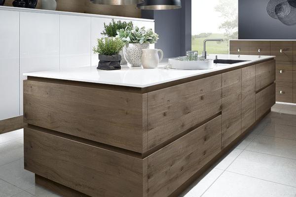 Idée relooking cuisine Ce modèle de cuisine moderne en bois est un
