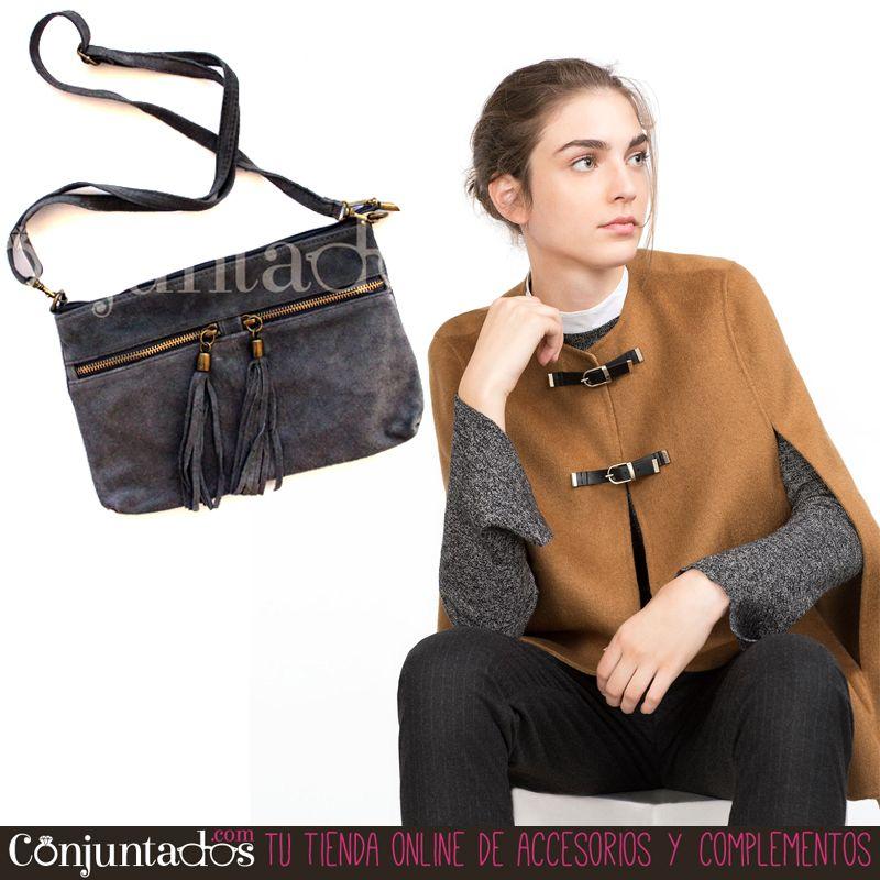 Nos encantan las #capas. Quedan ideales con los #bolsos de #ante :) ★ Bolso #bandolera ante gris con #borlas: 24,95 € en http://www.conjuntados.com/es/bolsos/bolsos-bandolera/bolso-bandolera-en-ante-gris-con-borlas.html ★ #novedades #handbag #purse #crossbogybag #leather #accesorios #complementos #moda #estilo #style #GustosParaTodas #ParaTodosLosGustos #chic #luxe #love