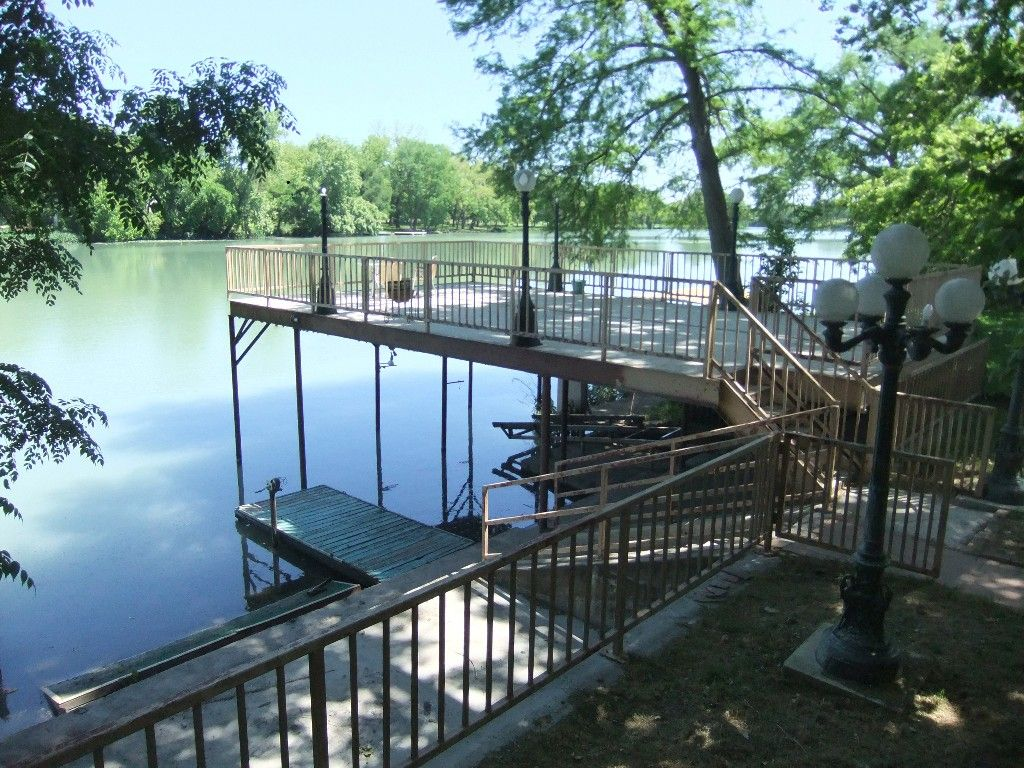 Upper And Lower Levels Of The Patio With Boat Dock House Rental Vacation Rental Vacation