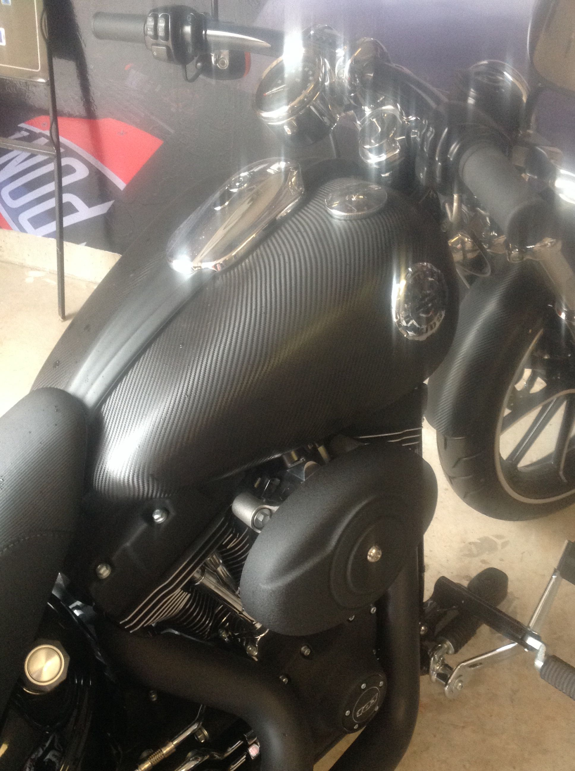 FELLERS Harley Breakout wrapped with 3M 1080 Carbon Fiber vinyl