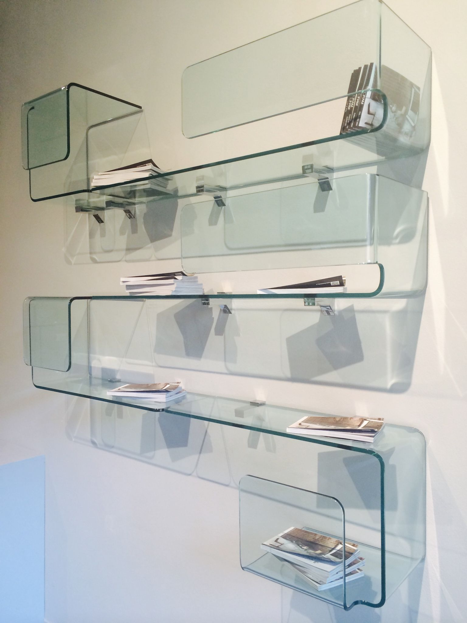 Wonderful Foulard Mensola Vetro Curvato Trasparente Design #Studio Klass #FIAM Italia Gallery