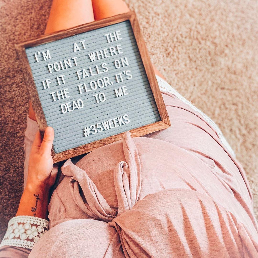 "steph ☼☽ on Instagram: ""#realtalk 😆 ↯ #35weeks #35weekspregnant #pregnancy #thirdtrimester #whattoexpect #bumpdate #firsttimemom #babygirl"""