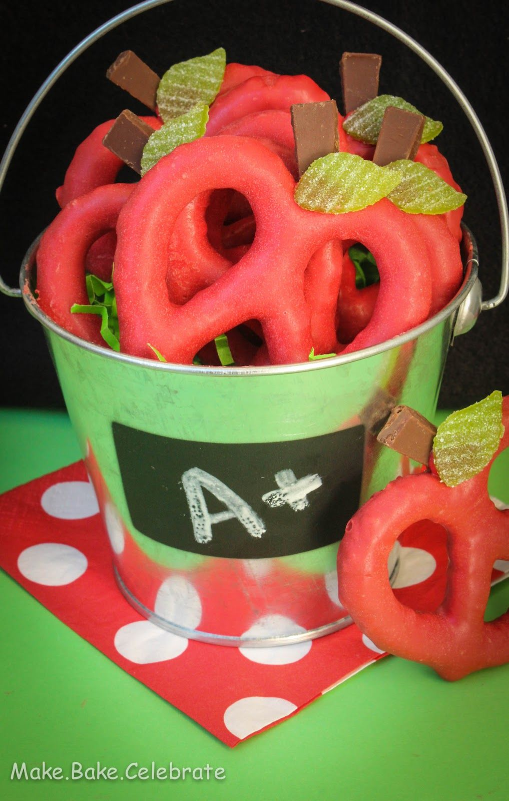 Cute back to school treat apple pretzels i want to be the mom appreciation gifts negle Gallery
