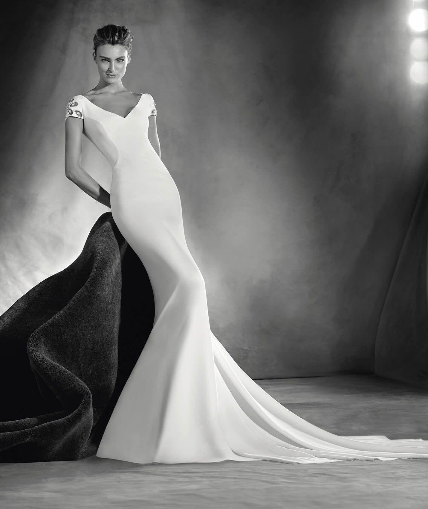 Elia - Brautkleid mit V-Ausschnitt