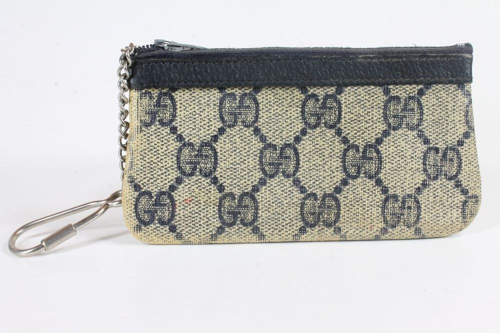 bbb1d0324cd VTG 79 80 S AUTHENTIC GUCCI KEYCHAIN WALLET 90412037 ACCESSORY COLLECTION   Gucci  CoinPursekeychain