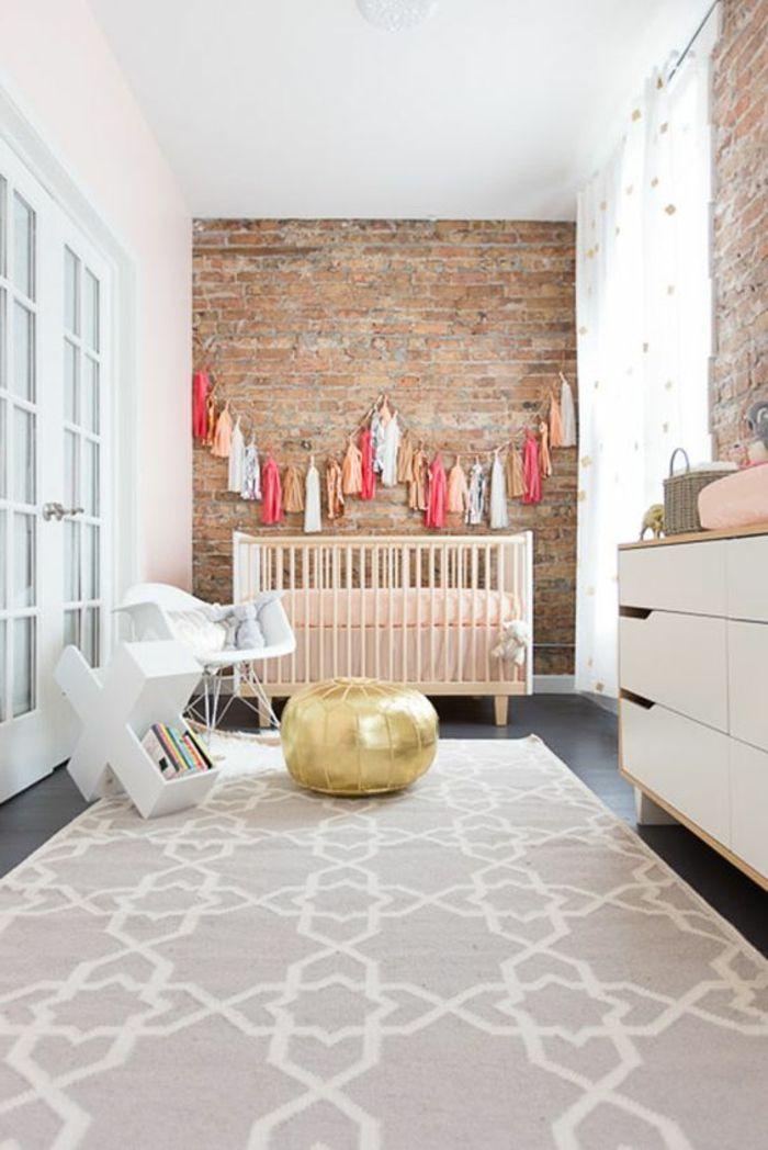 Baby Zimmer · Babyzimmer Dekoration Goldener Hocker Teppich Ideen Schrank  Mit Schubladen Dekoration Für Wand Bunte Deko