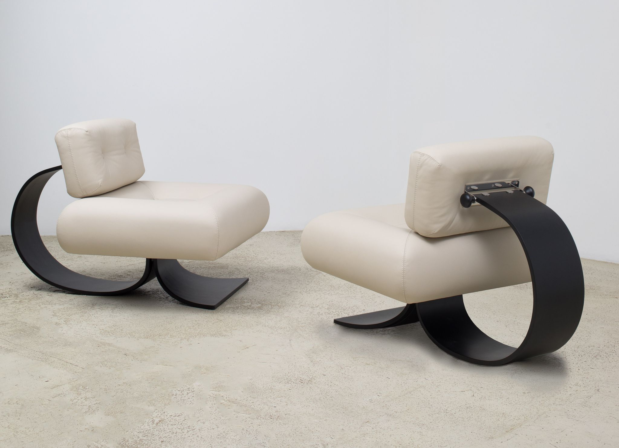 Alta Lounge Chairs Designed By Oscar Niemeyer Available At Espasso