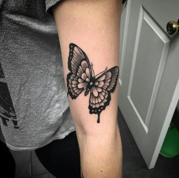 Blackwork Tattoo Marisalarentattoos Tattoo Butterfly Blackandwhite Tattoos Nouveau Tattoo Butterfly Tattoo