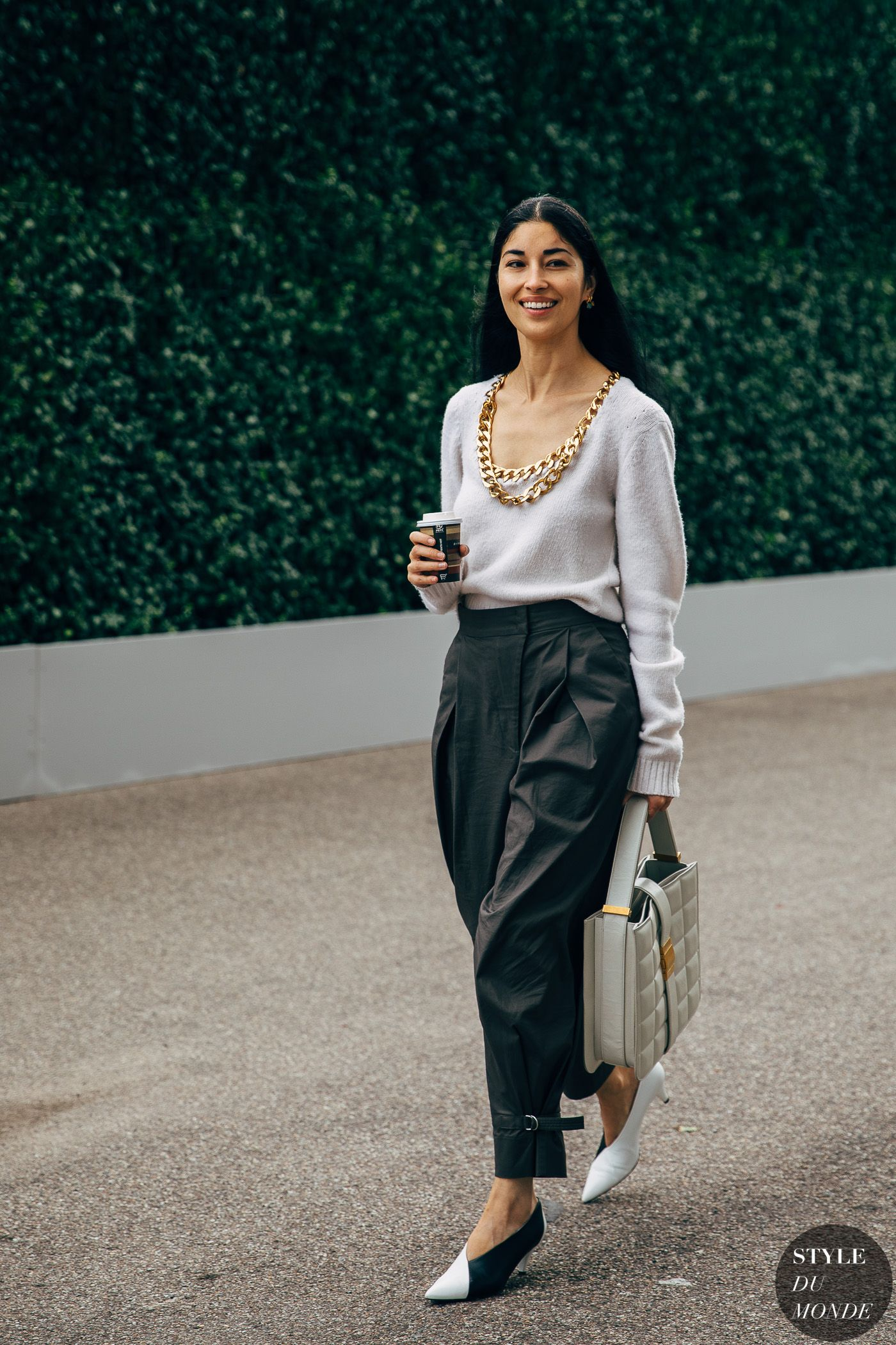 Milan SS 2020 Street Style: Caroline Issa – STYLE DU MONDE | Street Style Street Fashion Photos Caroline Issa