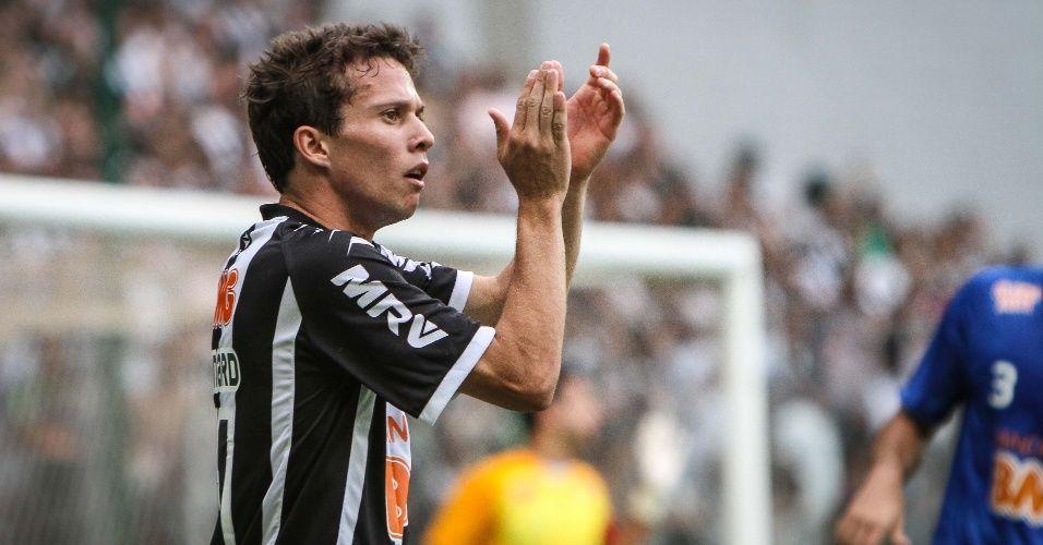 Bernard conquistou 2 Campeonatos Mineiros e 1 Copa Libertadores da América pelo GALO.