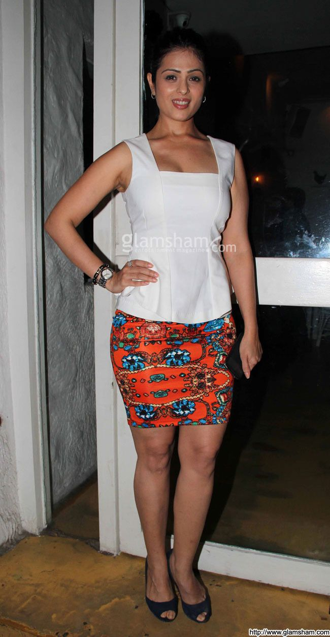 Anjana Sukhani In Short Skirts at Hot Bollywood babes in short ...
