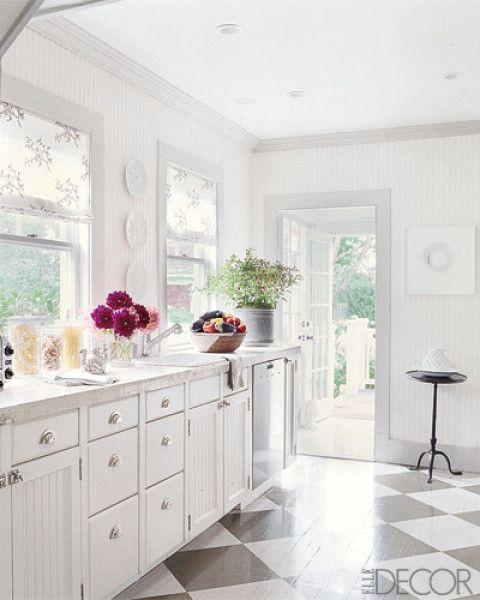 weiße Küche mit Marmorplatte, super Scharniere Küche Pinterest - bilder in der küche