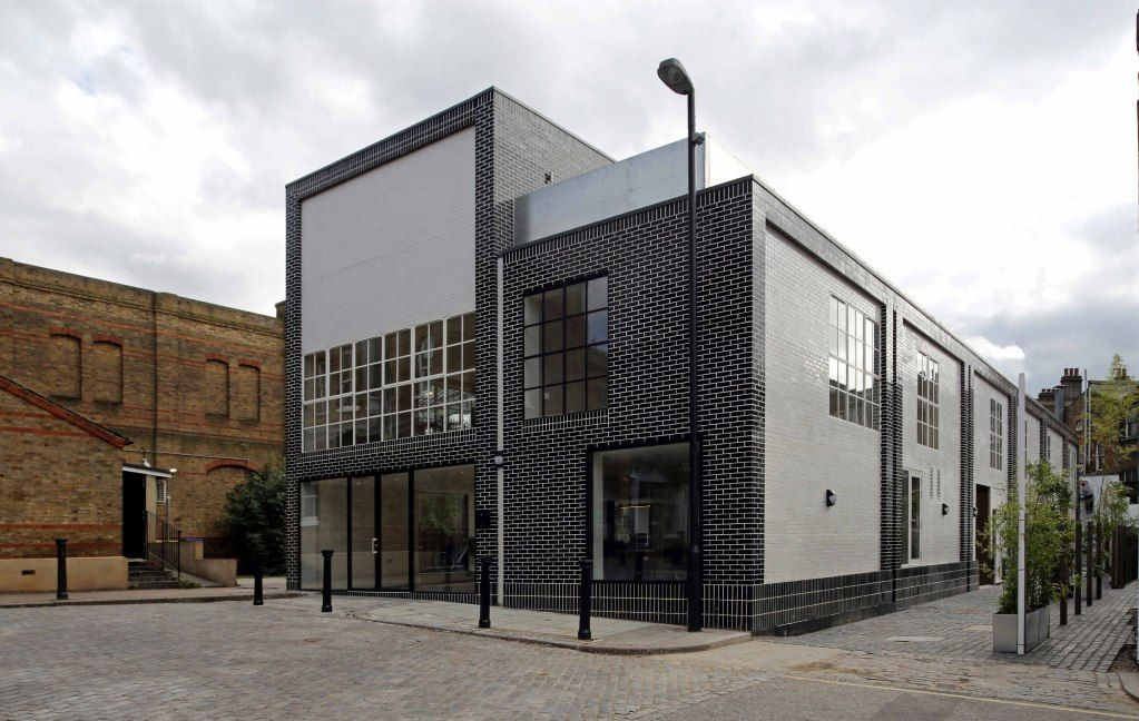 Warren Apartments Tulse Hill Black And White Glazed