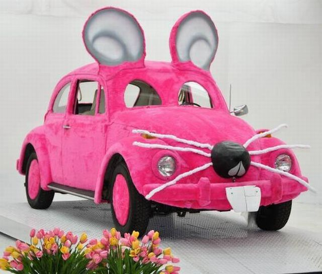 Ridiculous Pink Mouse Shaped Car