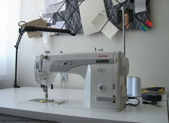 Incondite Le Grand: It is finally here - My new Janome 1600P-QC ...