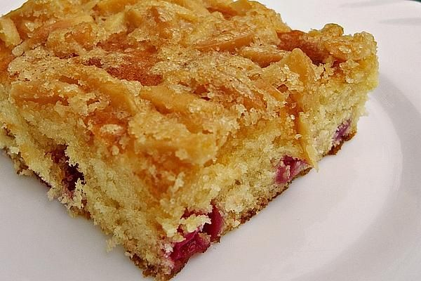 Wandelbarer Blechkuchen mit Butter Mandelkruste Rezept