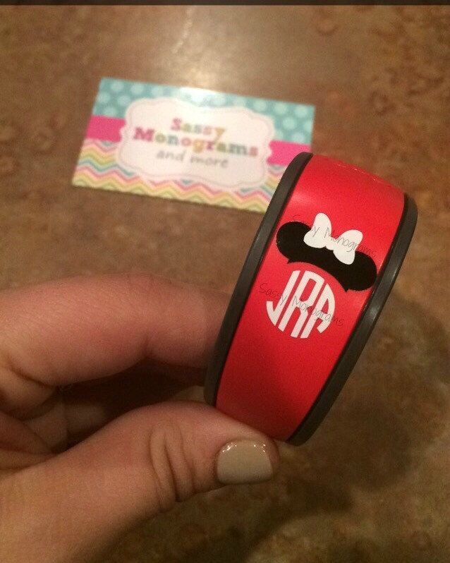 Magic Band Mickey Or Minnie Mouse Personalized Monogram Vinyl - Magic band vinyl decals