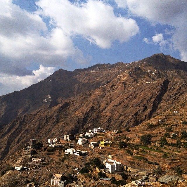 بعدستي جبال داير بني مالك جازان جنوب المملكة العربية السعودية Dyer Bani Malik Mountains Jazan Saudi Arabia Tagstagram A Natural Landmarks Landmarks Nature