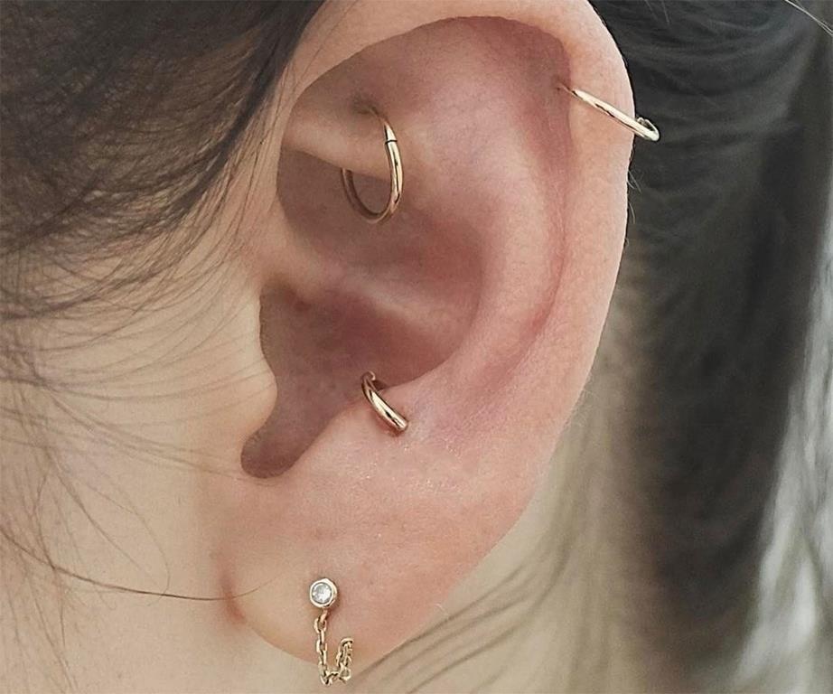 Pin By Bodysparkle On Bridal Body Jewelry Anti Tragus Piercing