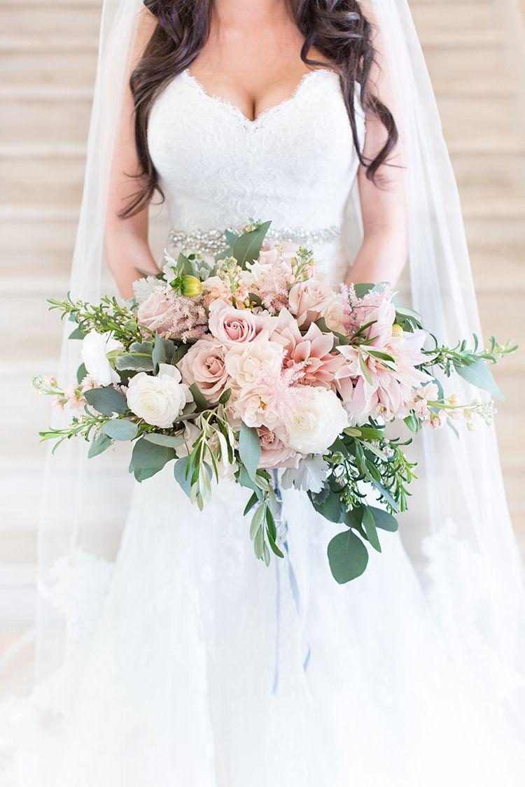 Feminine Floral Wedding in the Arizona Desert ⋆ Ruffled