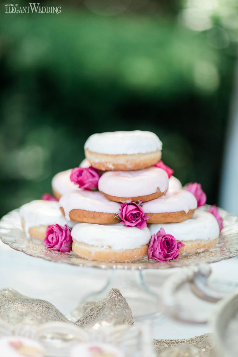 Cuisine Mauve A Bold Colourful Vineyard Wedding Wedding Cakes Sweets