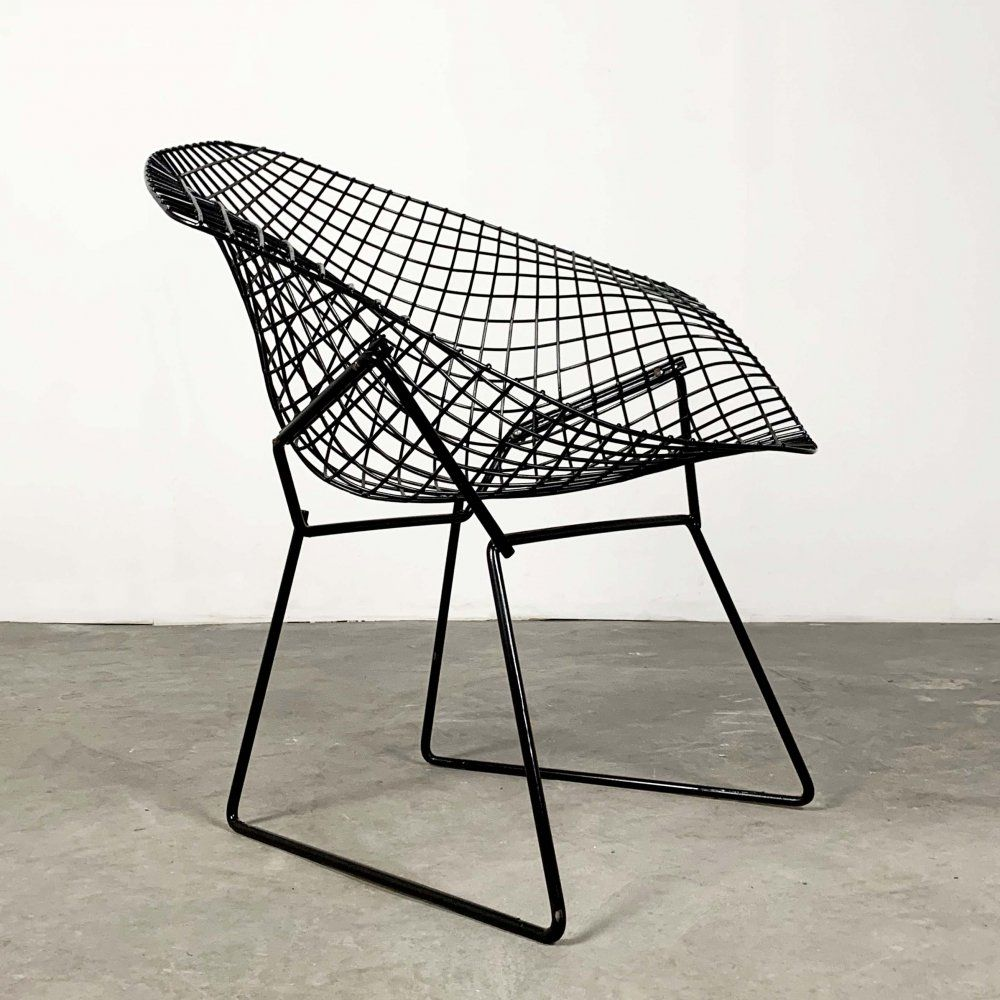 For Sale Black Diamond Chairs By Harry Bertoia For Knoll In 2020 Creatief