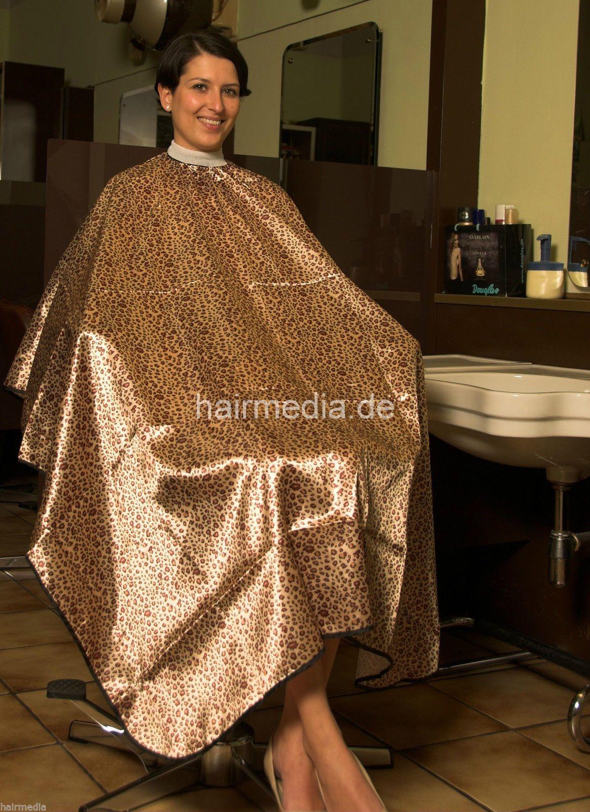 haircuttingcape friseurumhang haarschneideumhang leopard gl nzend neu a0027 in beauty. Black Bedroom Furniture Sets. Home Design Ideas