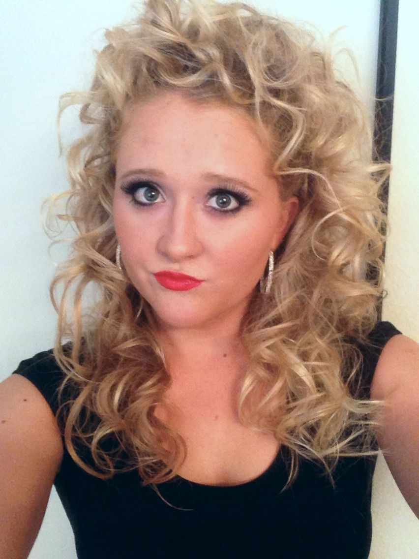 Sandy From Grease Hair And Make Up Took Me 3 Hours But Loved The Result Grease Hairstyles Sandy Grease Hair Halloween Outfits
