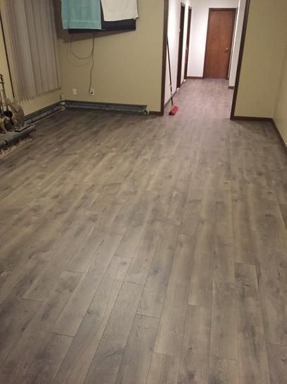 Pergo xp southern grey oak 10 mm thick x 6 1 8 in wide x for Gray pergo flooring