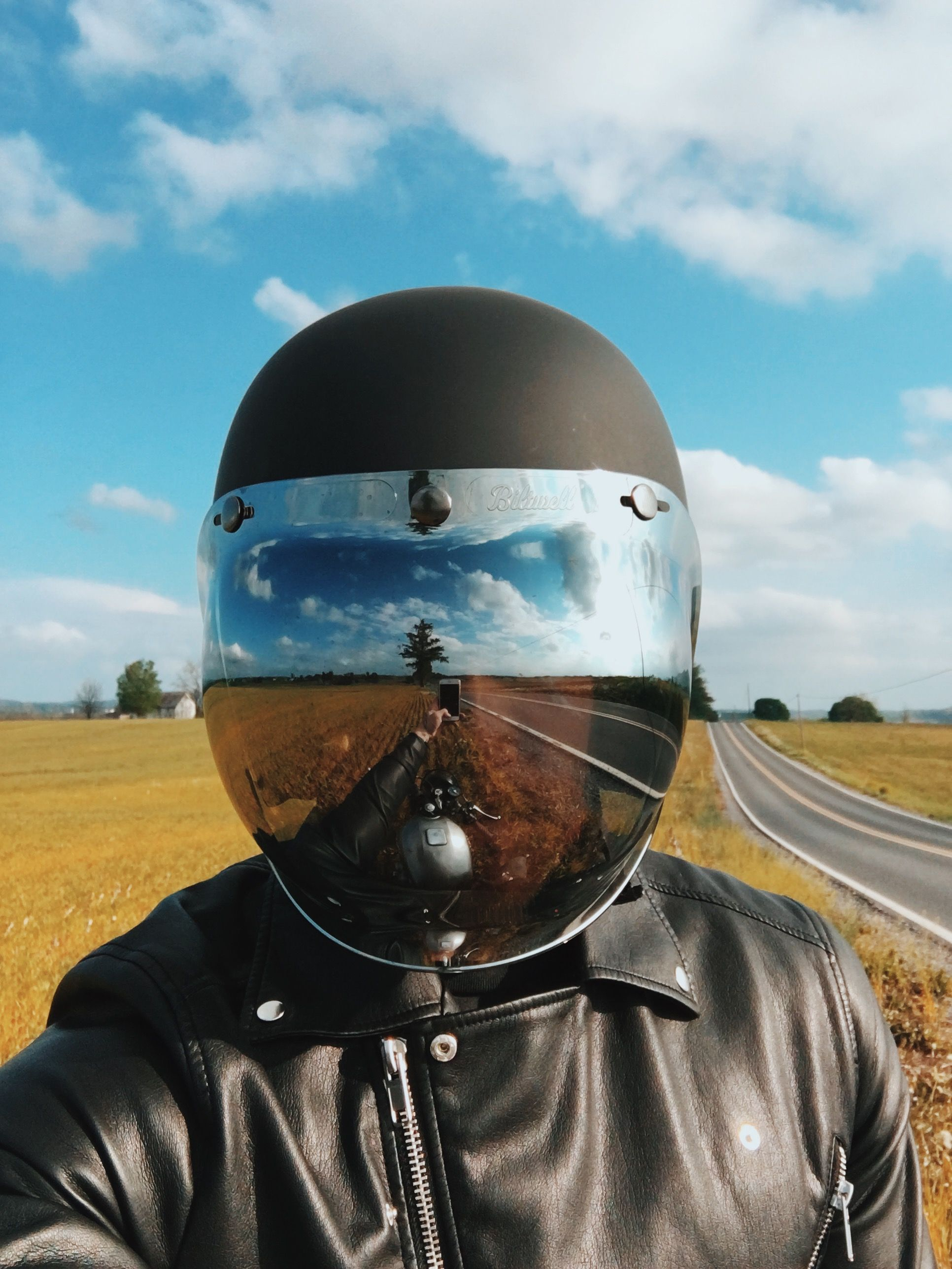 Картинка в шлеме