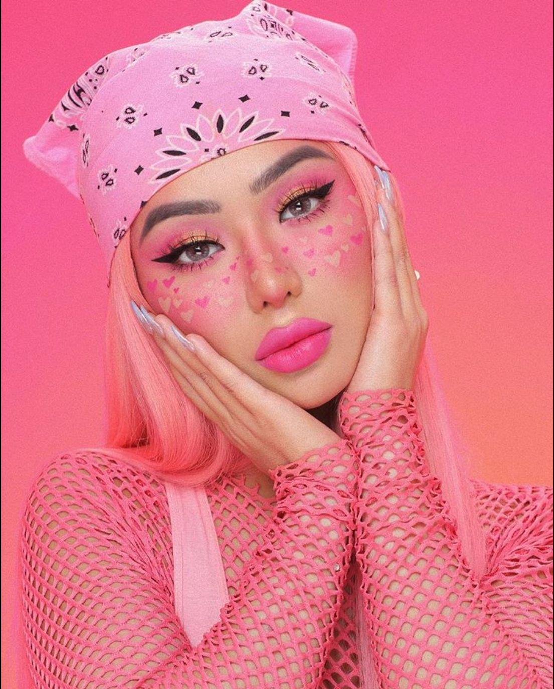 Pin van Lara Olivieri op Beauty Dragqueen