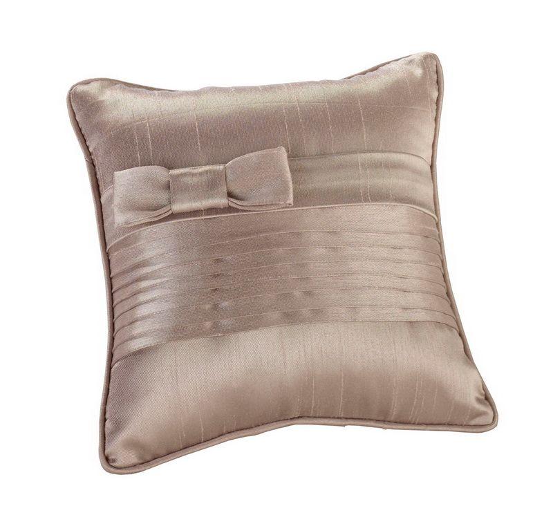 Pin von Timeless Treasures auf Ring Bearer : Pillows | Pinterest