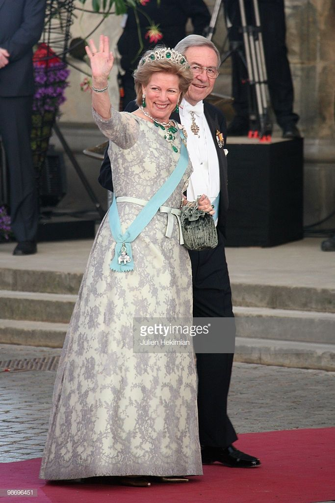 king Constantine and his wife queen AnneMarie 70 års