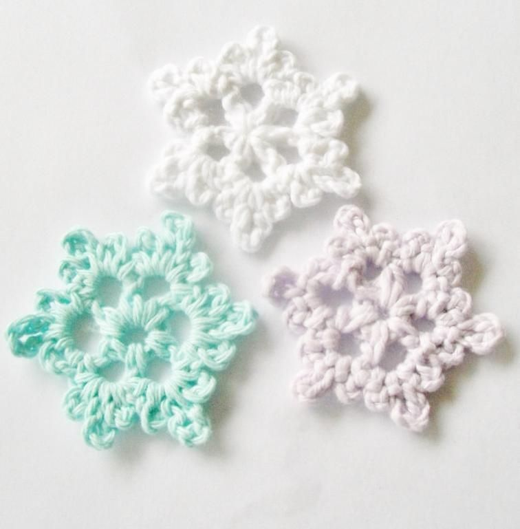 Let It Snow: 12 Crochet Snowflake Patterns for Holiday Decorating ...