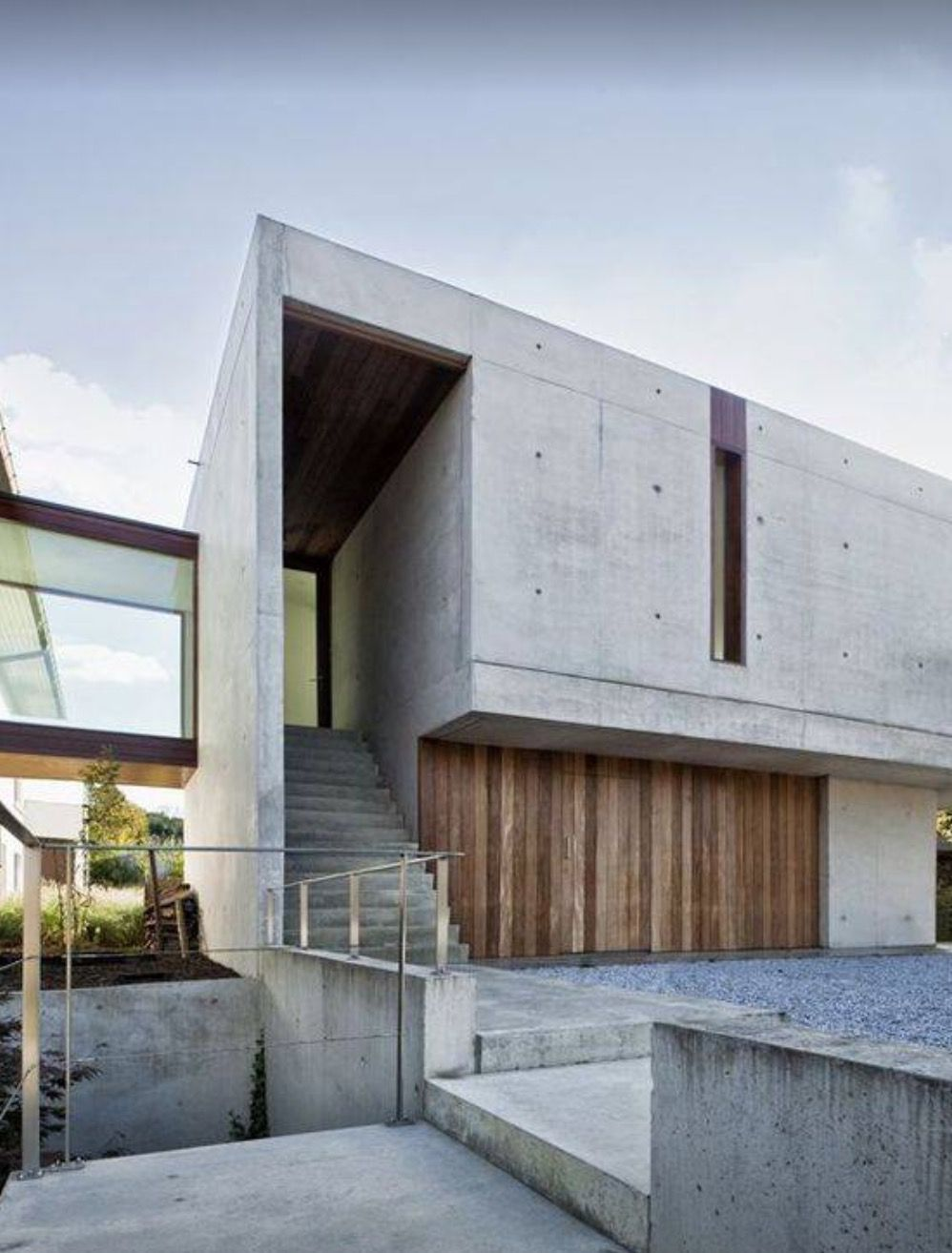 Modern Concrete House With Glass Walls: Pin By 宏齊 張 On 建築 In 2019