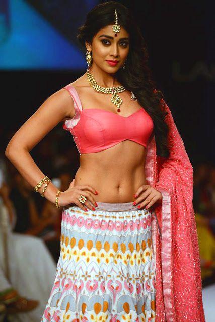 Filmi Masala Shriya Saran Hot Navel Show Stills At Lakme Fashion Week