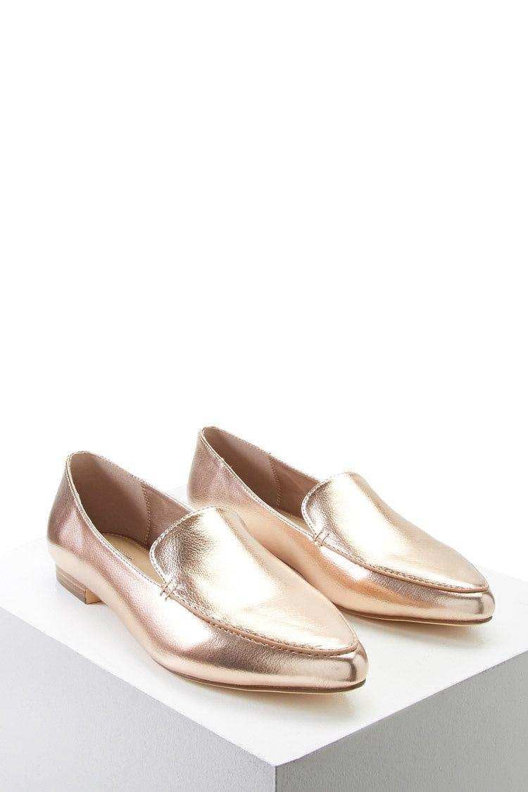 PEDIDOS SOLO POR #ENCARGO  #LookBookMayo2017  Código: F-70 Faux Leather Loafers Color: Rose gold  Talla: 6-7-7,5-8 Precio: ₡28.500  Whatsapp ☎ 8963-3317, escribir al inbox 🚚💨Envíos a todo el país. #MayaBoutiqueCR 💖