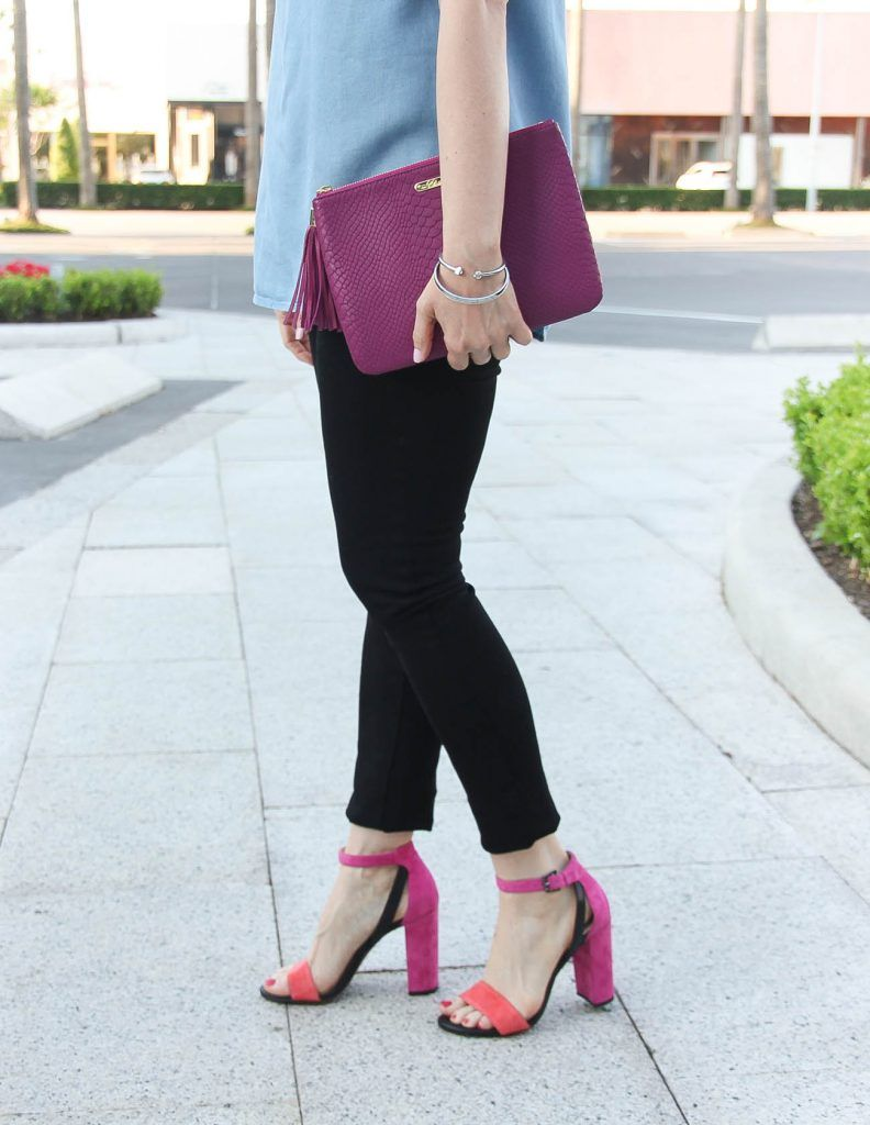 d4ae8b1e32b Houston Style Blogger wears pink block heel sandals with black skinny jeans  and a dark pink clutch.