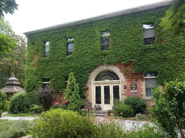 Superb BranCliff Inn   #Niagara On The Lake, #Ontario : Charming Bed And Breakfast