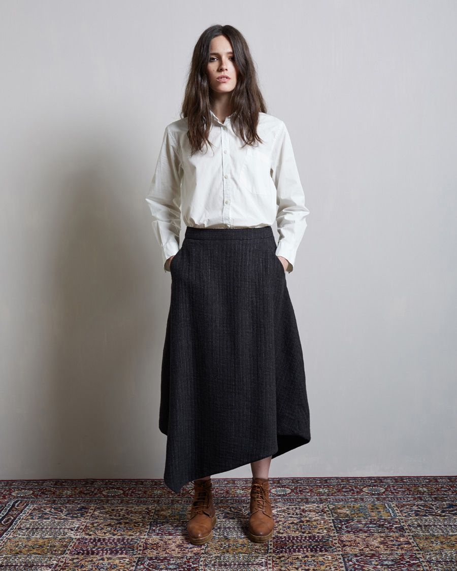 e9ef707bccb MHL by Margaret Howell   Single Pocket Shirt Hachung Lee   Asymmetric Wool  Skirt Guidi   Lace-Up Platform Boot  lagarconneatelier