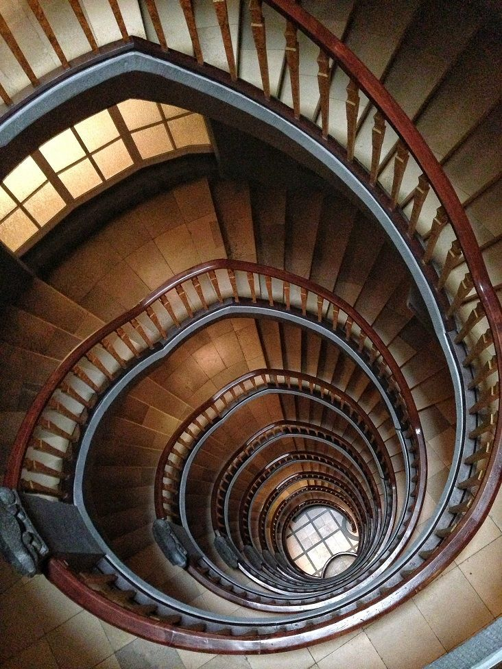 Explore 7 Of Los Angeles Most Secret And Not So Secret Staircases | Spiral Staircase Los Angeles | Loft | Handrail | 42 Inch | Romantic | Double Spiral