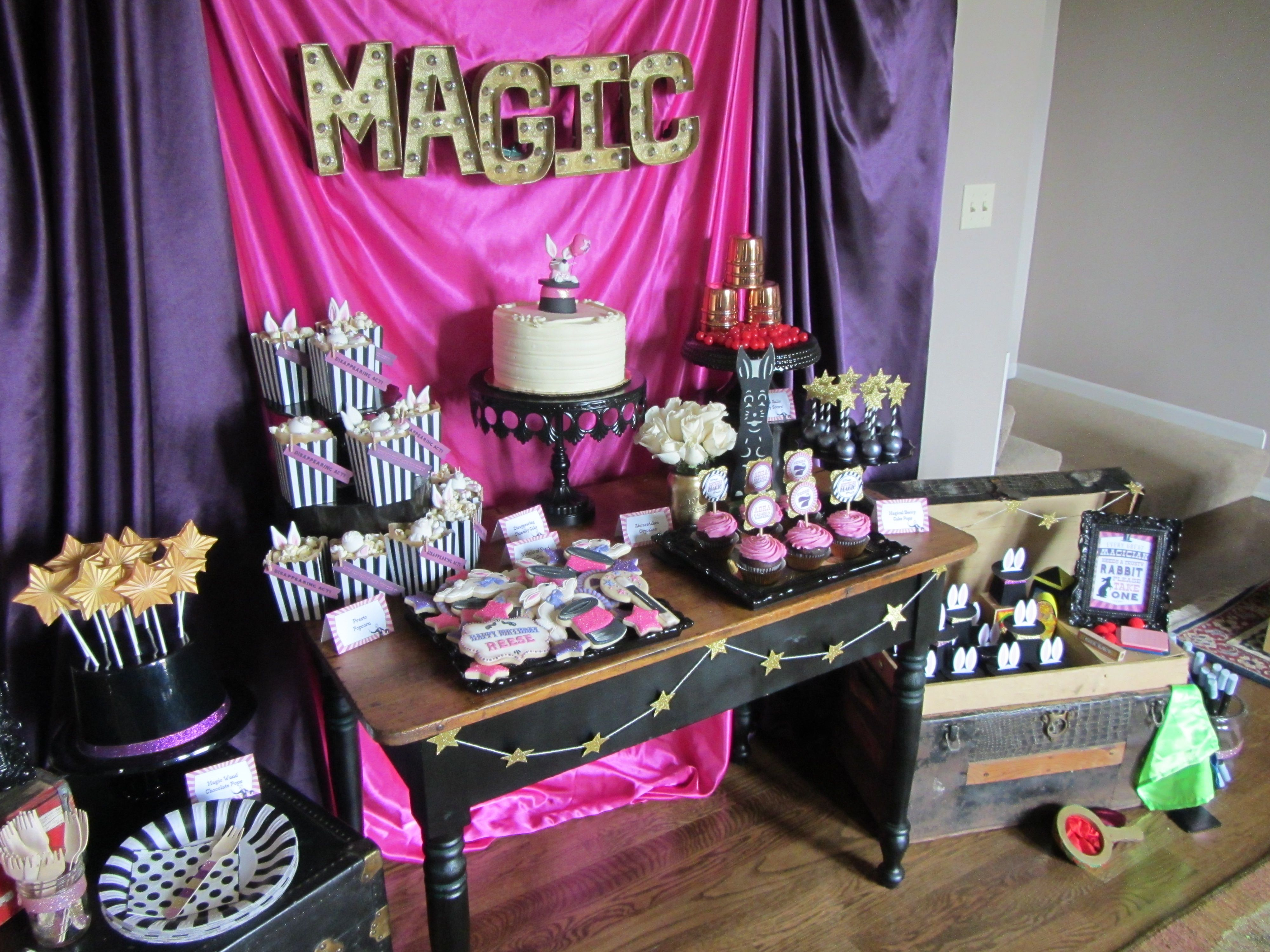 Magic Cake Cupcakes And Candy Layout In A Magic Theme
